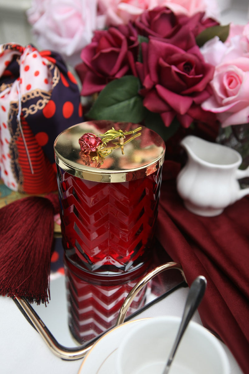 Herringbone Candle With Scarf Rose Oud - Red & Red Rose lid - HCG07