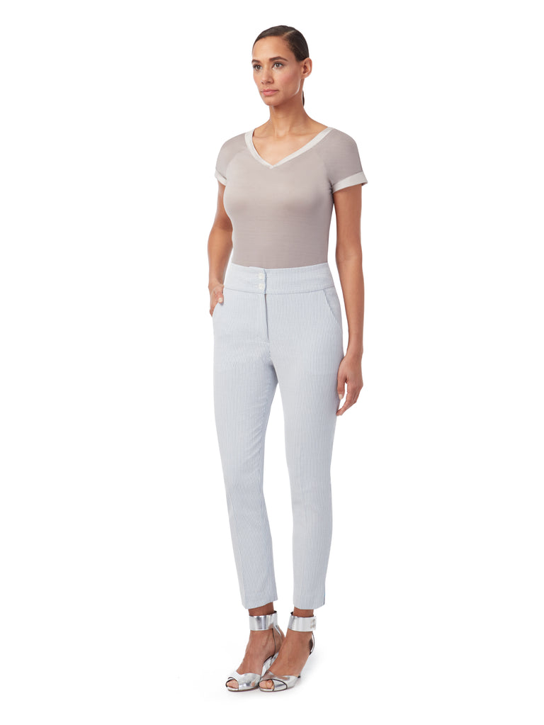 T024 _ MAST _ Lean Fit Trousers