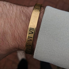Load image into Gallery viewer, ROMAN NUMERALS BRACELET