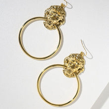 Load image into Gallery viewer, Antique Hollow Round Circle Bronze Earings