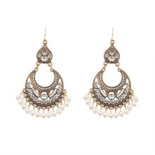 Load image into Gallery viewer, LUXURY VINTAGE TASSLE EARRINGS RHINESTONE AND PEARL