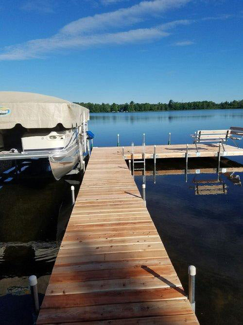 What to Know When Choosing Between Floating and Stationary Docks