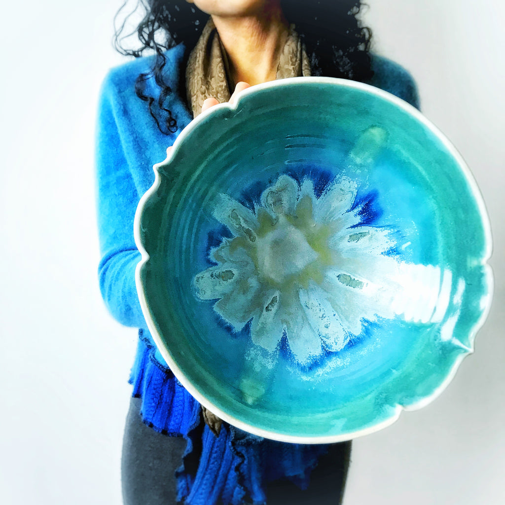 Arabesque bowl serving bowl in Turquoise Waters