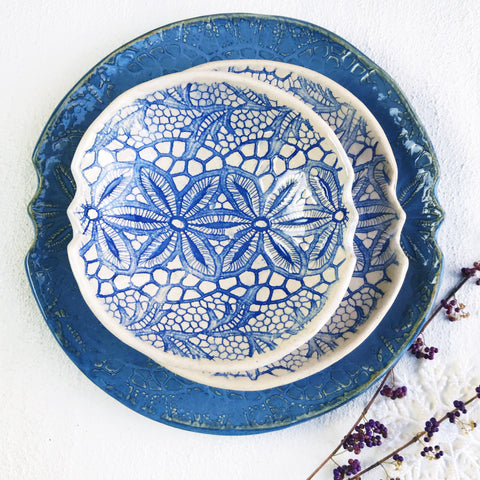 3 piece nesting trays serving set Modern Lace blue and white