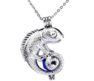 Loving Lizard Necklace (SILVER EDITION)