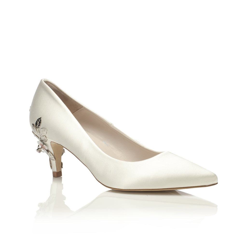 Low Heel Pointed Toe Court Bridal Shoe