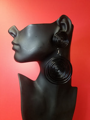 Coil earring black- large