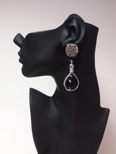 CLIP-ON Black and silver earring