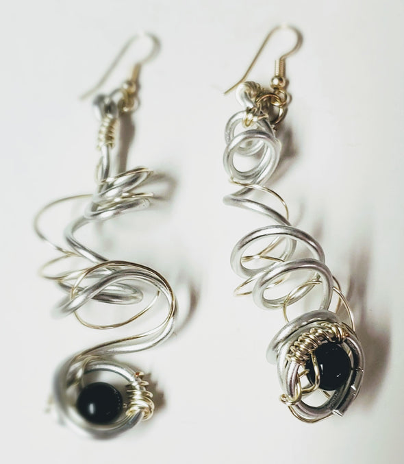 Earrings- New-twisted wire