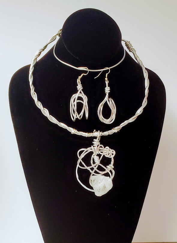 Silver quartz necklace set