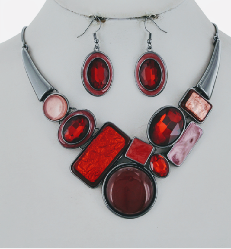 Red fab Necklace set!