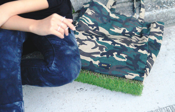 [ LIMITED EDITION ] Camo Grassy Tote - GLUSH/ - 12