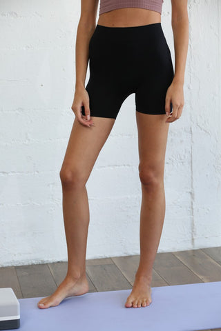 Seamless Mini Short