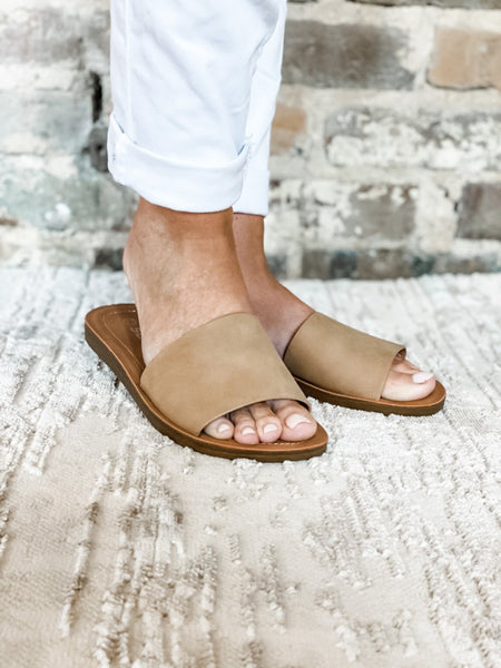 Camel Slip On Sandals - Vintage Cotton Boutique
