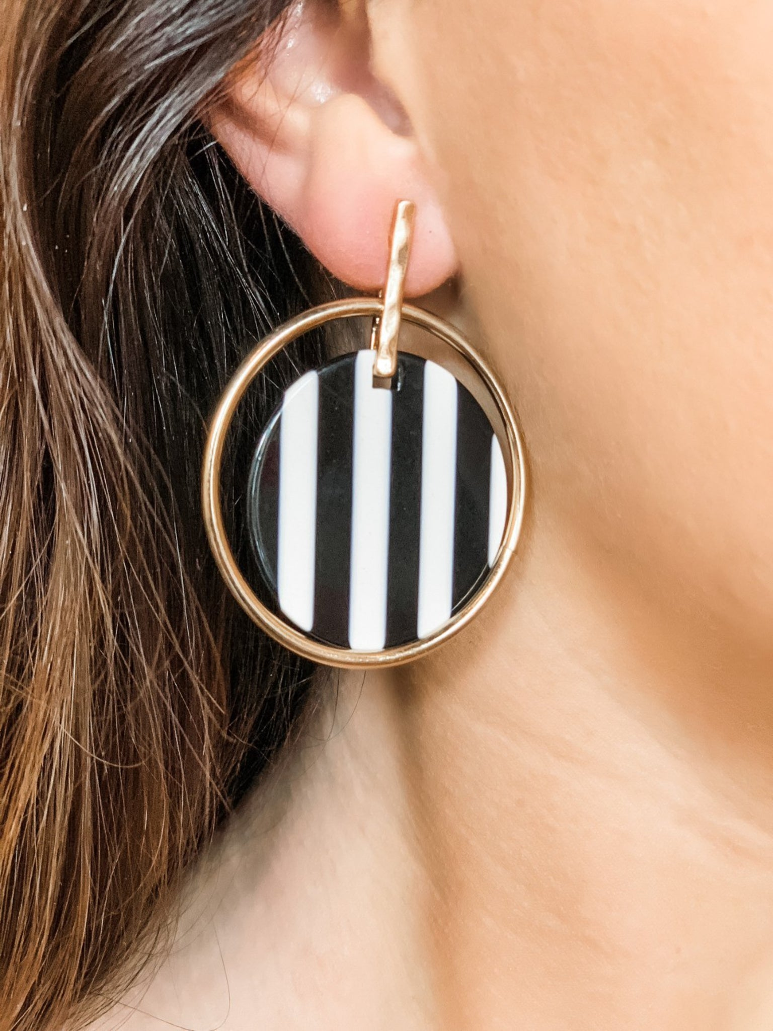 Black/White Stripe Earrings - Vintage Cotton Boutique