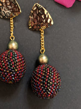 Load image into Gallery viewer, Multicolored Beaded Dangler Earrings