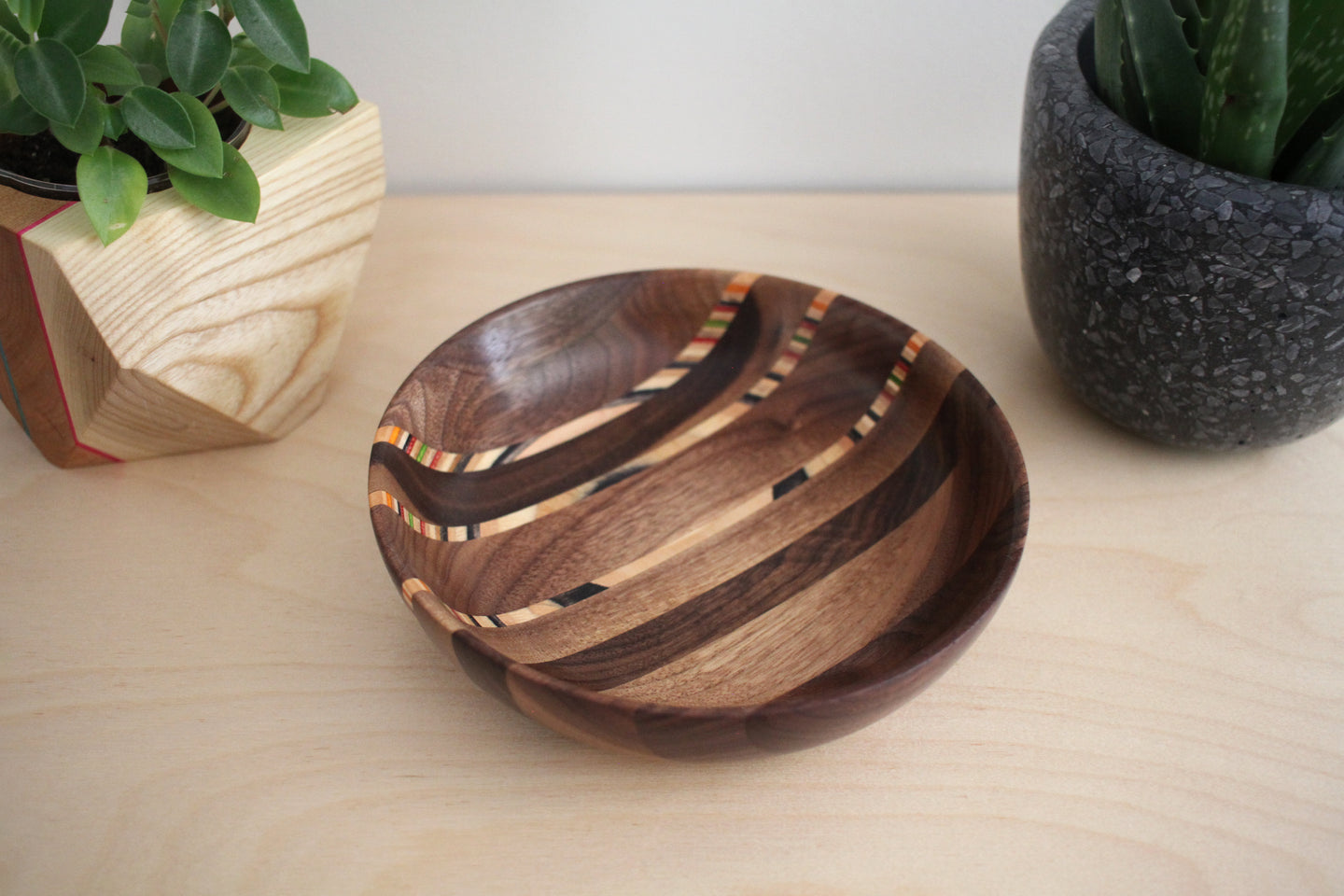 SKATEBOARD & WALNUT DISH