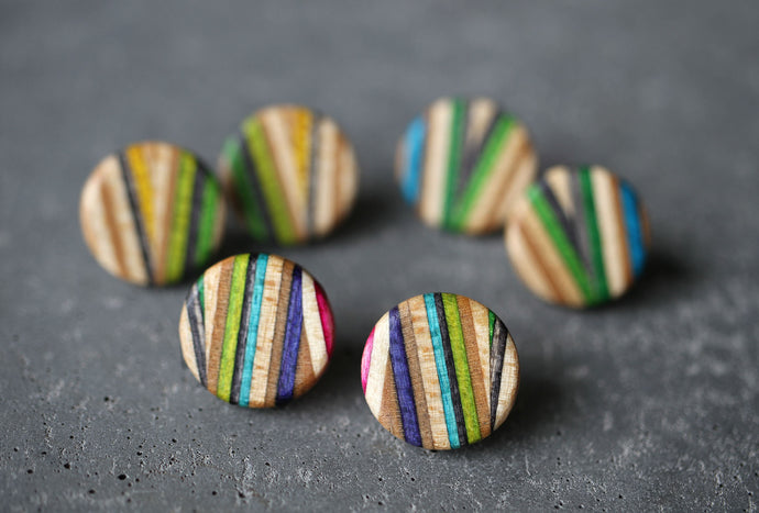 ZIGZAG STUD EARRINGS