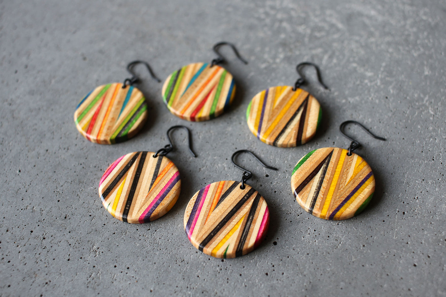 ZIGZAG DANGLE EARRINGS