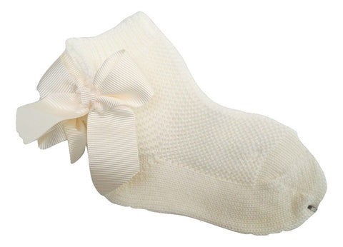 Condor Ivory Moss Stitch Ankle Socks with Bow -  Spoiled Rotten Childrenswear