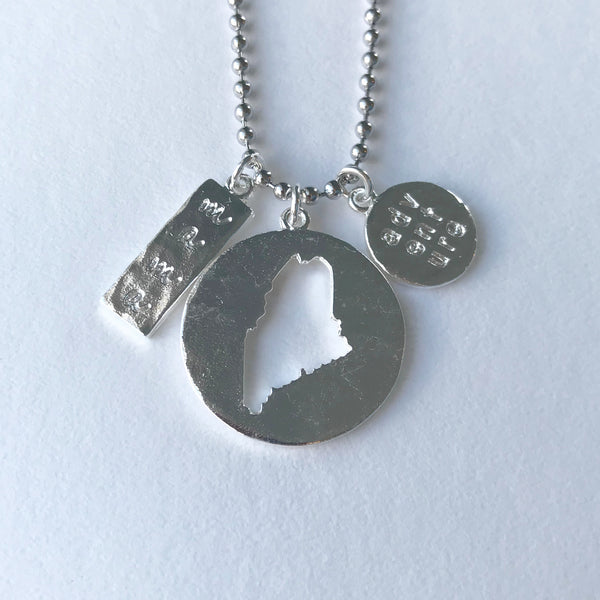 MAINE MAMA & ADVENTURE CUTOUT PENDANT silver ball