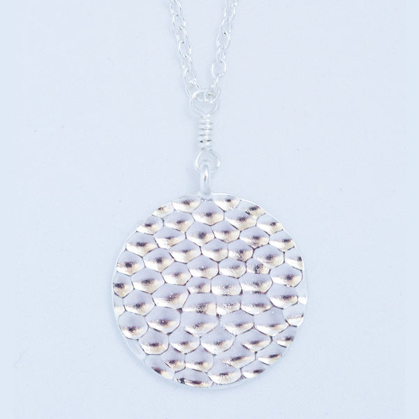 HAMMERED PENDANT silver