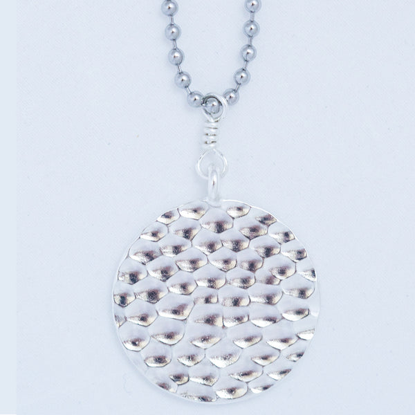 HAMMERED BALL CHAIN PENDANT silver