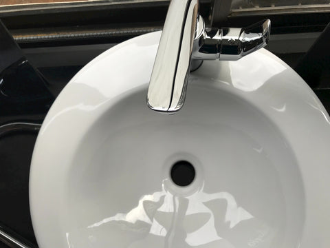 single-handled-faucet-sink