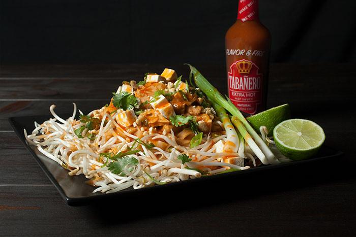 Spicy Vegetarian Pad Thai - Tabanero
