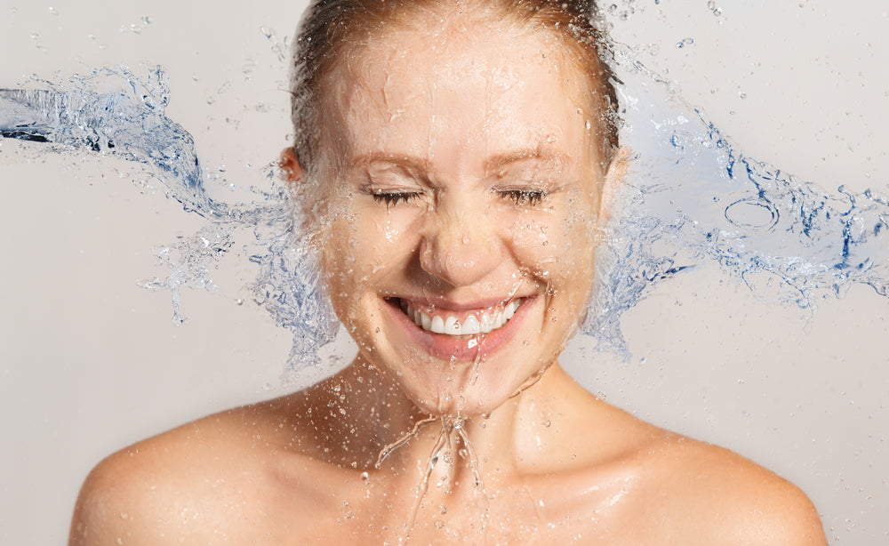 HYDRATION VS. MOISTURIZATION: WHAT'S THE DIFFERENCE AND WHAT DOES YOUR SKIN NEED?