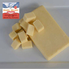 extra sharp white cheddar cheese made by Pearl Valley Cheese in Fresno, Ohio, Amish Country