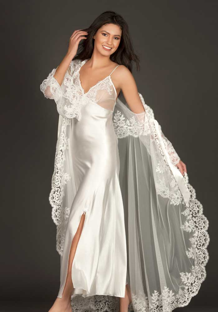 Long Bridal Dress With a Robe