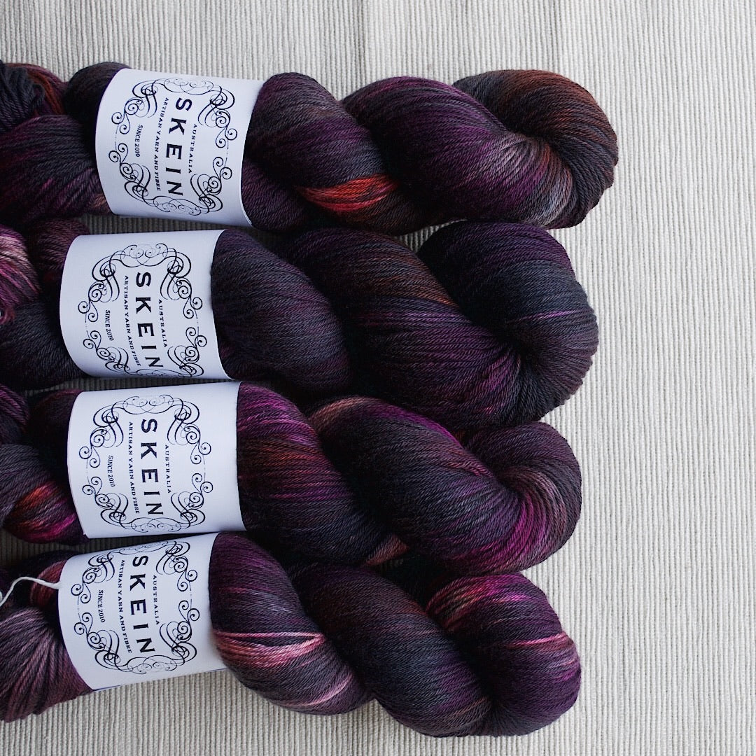 Gothic Rose - Top Draw Sock