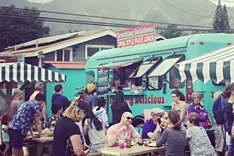 Trucking Delicious Food Truck with Hanalei Mountains in the background