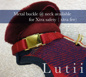 Safety metal buckle - Add on - small dog harness, best pet harness, best non pull harness, designer dog harness, lace dog harness, lace pet carrier, best travel pet carrier, small dog carrier, small dog carrier by Lutii pet design, high end pet carriers, best small dog clothing, pet clothing.