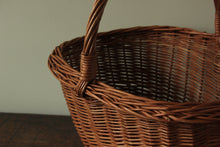 Load image into Gallery viewer, Vintage Straw Baskets