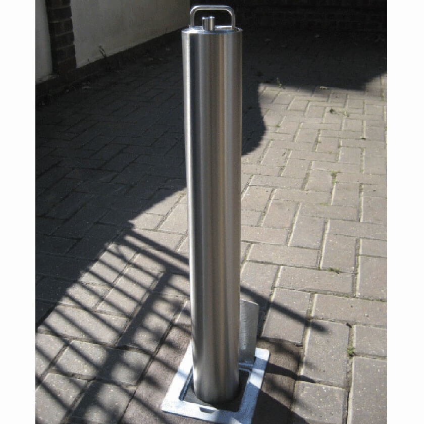SS5 removable security bollard