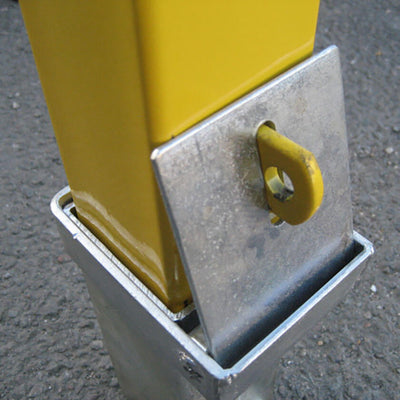 100P Removable post with the padlock removed
