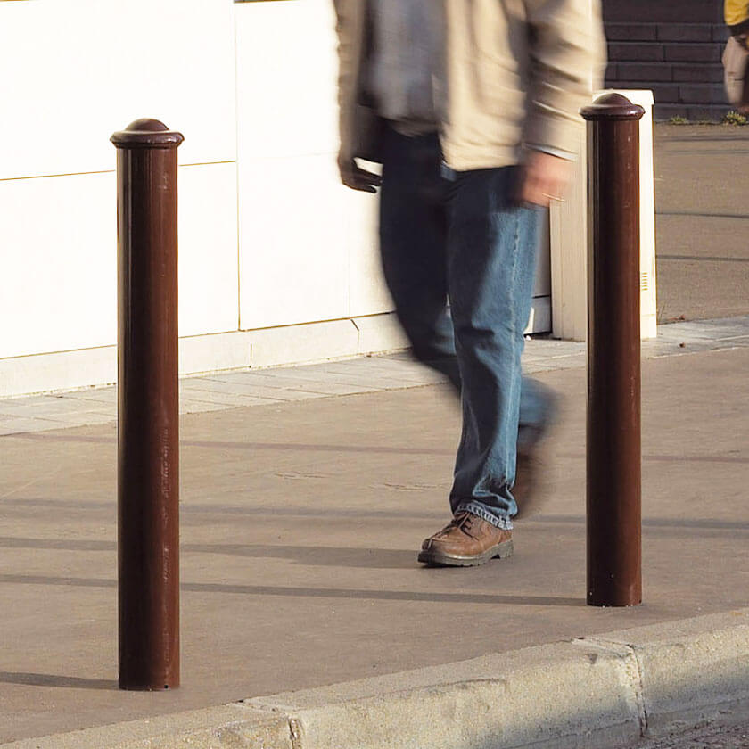Agora 114mm diameter steel bollard in Bronze