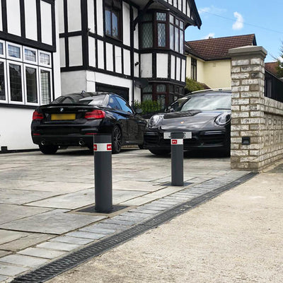 BFT Stoppy B 500 x 115 Automatic Bollards on a private driveway