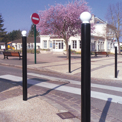 DDA 114mm diameter steel street bollard in Black with a White crown