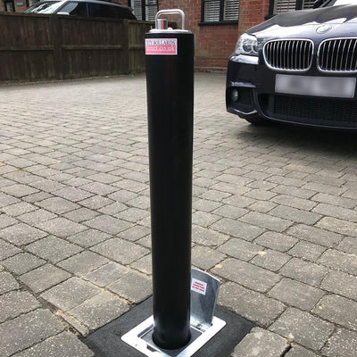 R5 Telescopic bollard in Black