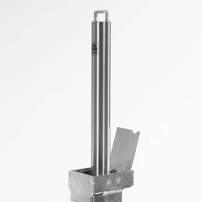 Autopa Retracta-post 500 in a stainless steel finish