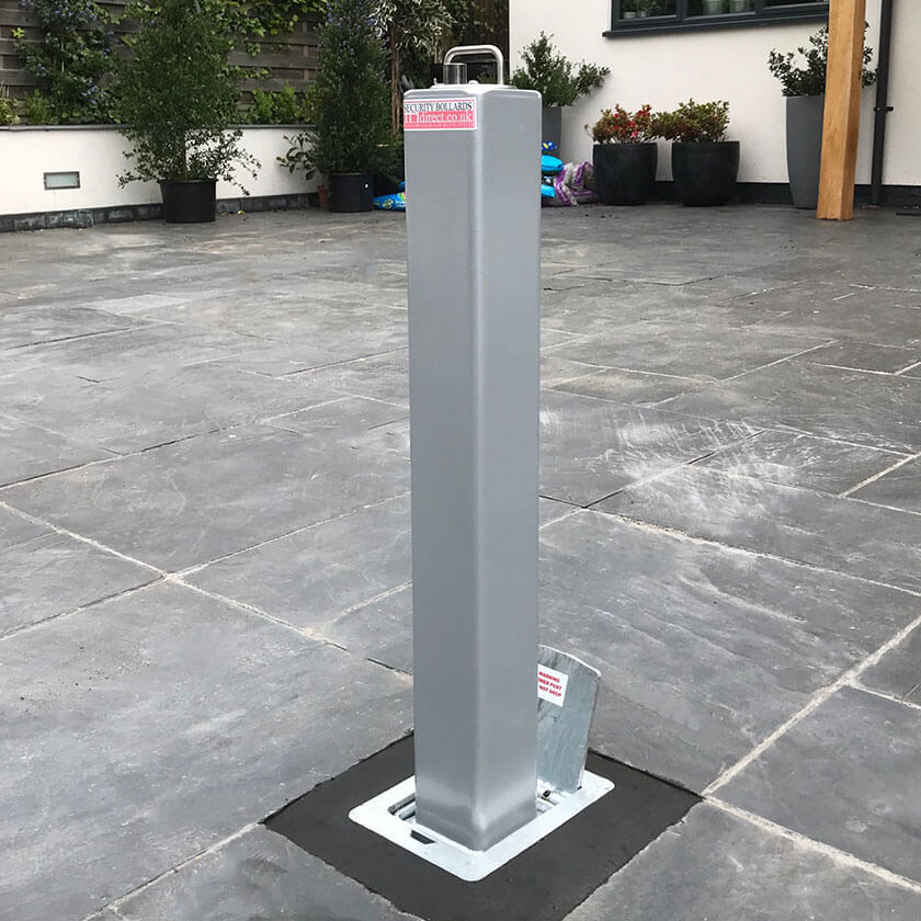 SQ20 Anti-Ram Telescopic Bollard in Silver