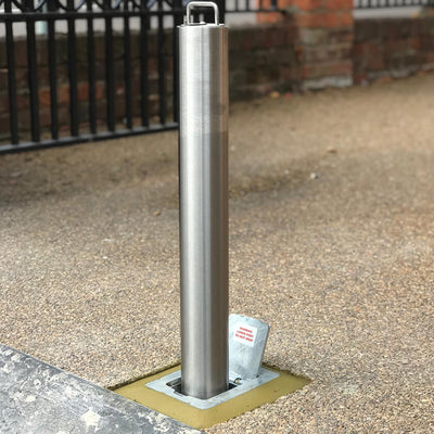 SS5 Stainless steel telescopic bollard on a resin bound driveway