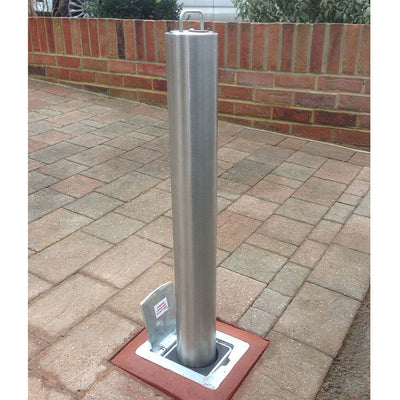 SS5 removable lift out security bollard