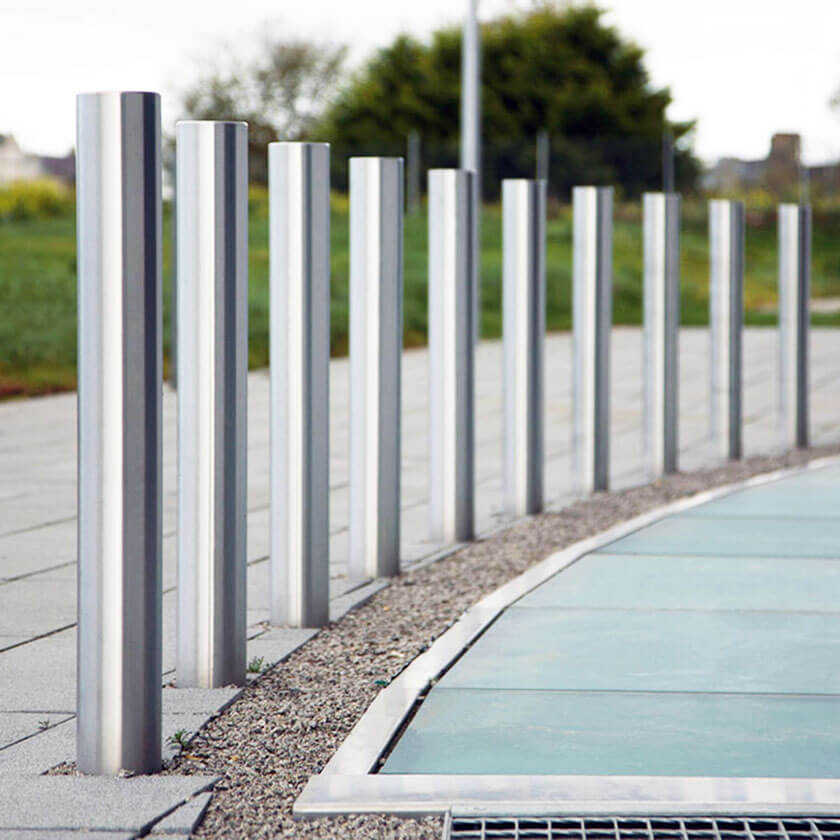 129mm diameter flat top stainless steel bollards