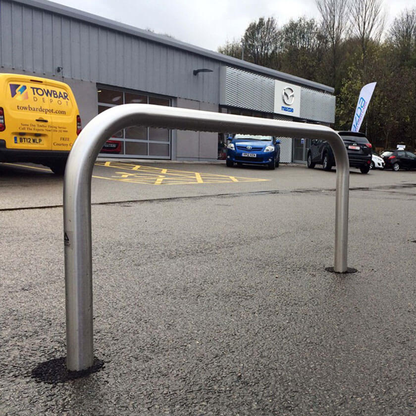 304 grade stainless steel static hooped security barrier.