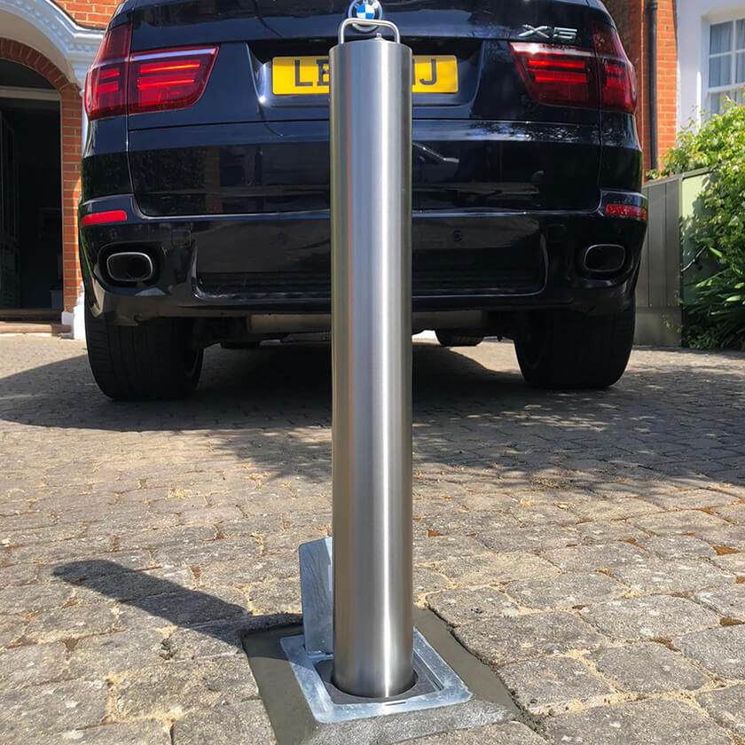 Stainless steel lift assist 850mm x 114mm retractable bollard