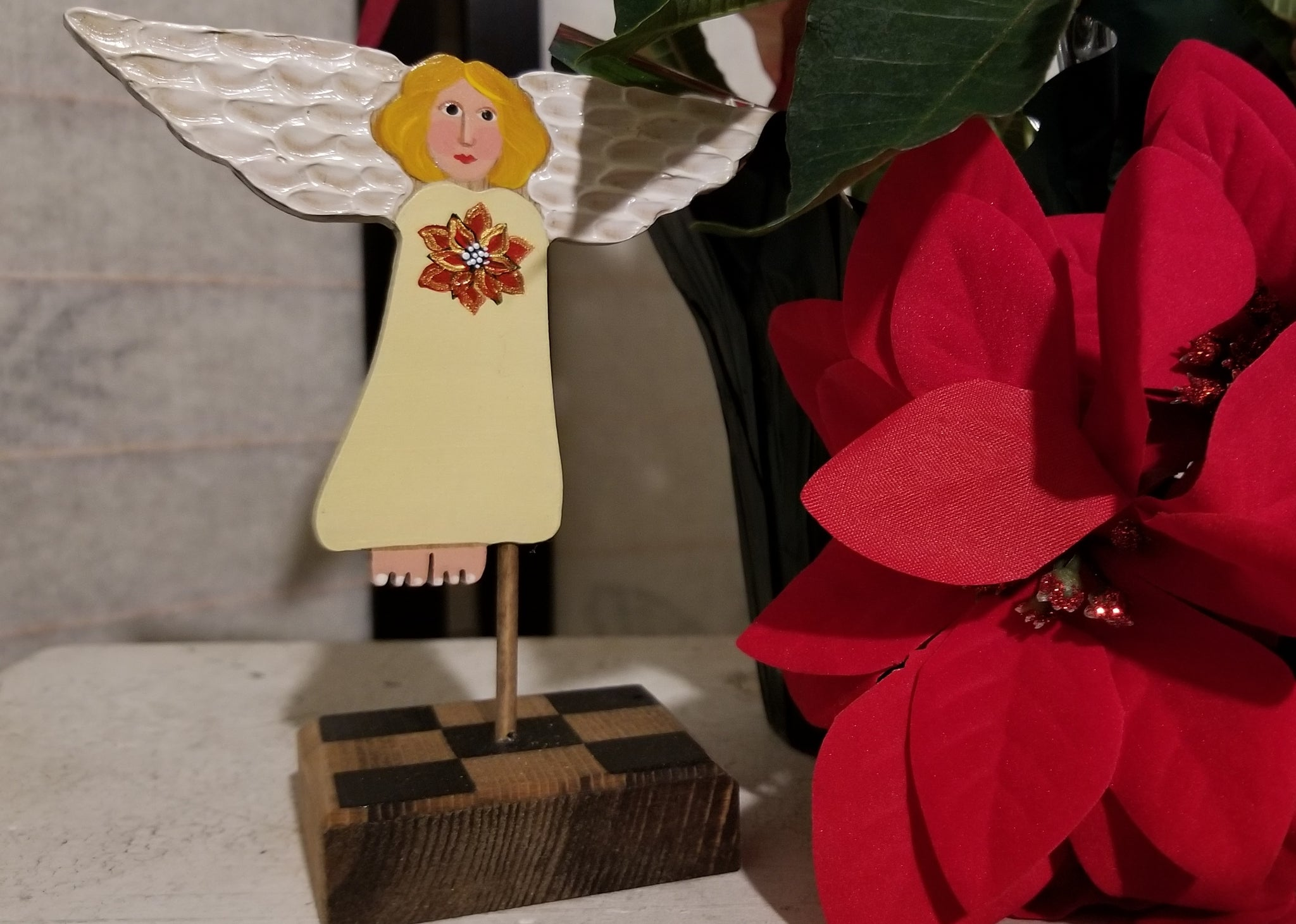 Mini Treetop Angel - Poinsettia Limited Edition